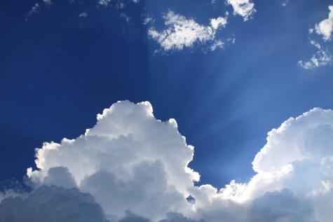 zon-en-wolken